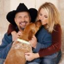 Garth Brooks and Trisha Yearwood - 200 x 200