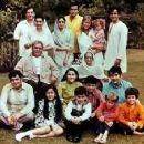 Hijo de Rishi Kapoor y Neetu Singh; sobrino de los actores Randhir Kapoor, Rajiv Kapoor, Kunal Kapoor. Sus tios abuelos eran los actores Shashi Kapoor, Jennifer Kendal, Shammi Kapoor, Geeta Bali; primo de las actrices Kareena Kapoor, Karisma Kapoor - 400 x 356