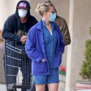 Scarlett Johansson – Shopping in the Hamptons