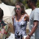 Doutzen Kroes Wearing Swimsuit On The Beach In Miami
