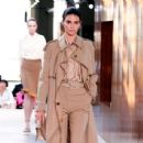 Kendall Jenner – Burberry Ready to Wear Runway Show in London