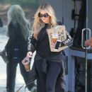 Khloe Kardashian in Spandex – Out in Calabasas