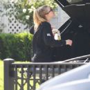 Dakota Fanning – Spotted while taking beer in Los Angeles - 454 x 455