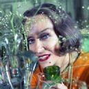 Gloria Swanson - 454 x 614