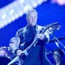 Metallica live Festival d'été de Québec on July 14, 2017 - 454 x 587