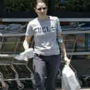 Jodie Foster Leaves The Bevergly Glen Marketplace After Buying Groceries - May, 2009-05-16