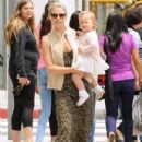 Ali Larter is spotted out for lunch with her daughter Vivienne at the M Cafe in Beverly Hills, California on June 10, 2016 - 432 x 600