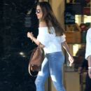 Sofia Vergara in Tight Jeans – Shopping in Beverly Hills