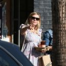 Kirsten Dunst – Out and about in Los Angeles - 454 x 546