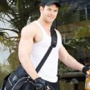 Kellan Lutz goes to the gym (February 22)