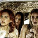 Mad Max: Fury Road (2015) - 454 x 302