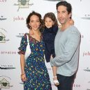 David Schwimmer and Zoe Buckman - 378 x 630