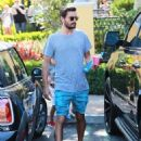 Scott Disick lunches at Toscanova in Calabasas, California before stopping by Menchies with his son Mason on September 2, 2015