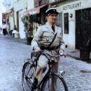 Le gendarme et les gendarmettes - 454 x 639