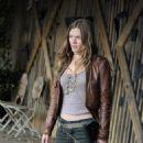 Tracy Spiridakos as Charlie Matheson in Revolution - 454 x 683