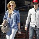 Nick Jonas and girlfriend Delta Goodrem were spotted grabbing lunch yesterday, October 29, in Studio City, CA