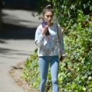 Chantel Jeffries – In yoga pants seen after gym in Los Angeles - 454 x 595