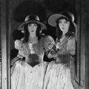 Lillian Gish - 454 x 584