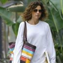 Minnie Driver does some shopping in Studio City, California on December 10, 2016 - 439 x 600