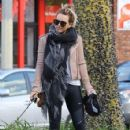 Hilary Duff stops by a gym for a workout in Studio City, California on January 24, 2017 - 425 x 600