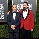 Viggo Mortensen and his son Henry Mortensen At The 76th Golden Globe Awards (2019) - 400 x 600