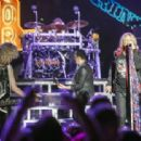 Def Leppard at Starlight Theatre in Kansas City, on August 11, 2015 - 454 x 313