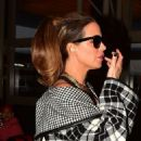 Kate Beckinsale – Arrives for a flight to London at LAX airport in Los Angeles