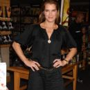 "Brooke Shields - ""Welcome To Your World, Baby"" Book Signing , 2008-08-23"