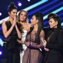 Kendall Jenner and The Kardashians – People's Choice Awards 2018 in Santa Monica - 454 x 358