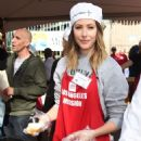 Amanda Crew – LA Mission's Thanksgiving Dinner in Los Angeles 11/23/ 2016 - 454 x 587