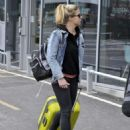 Gemma Atkinson – Arriving at Piccadilly Station in Manchester - 454 x 594