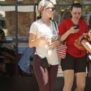Katy Perry – Finishing a yoga class in Los Angeles