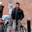 Zac Efron films scenes for