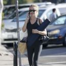 Heather Graham – Going to a yoga class in Los Angeles
