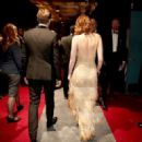 Emma Stone and Ryan Gosling At The 89th Annual Academy Awards - Backstage - 454 x 322