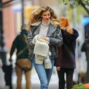 Gisele Bundchen – Out and about in New York City - 454 x 681