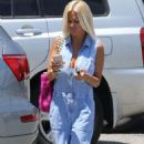 Shauna Sand out in Malibu - 454 x 817