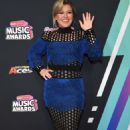 Kelly Clarkson – 2018 Radio Disney Music Awards in Hollywood - 454 x 704