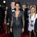 Halle Berry arrives at the Oscars at Hollywood & Highland Center on February 24, 2013 in Hollywood, California