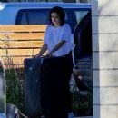Ariel Winter – Unloading Her Luggage Out of Her Car, Los Angeles 1/13/ 2017 - 454 x 480