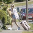 Lottie Moss – Spotted at her mum's residence in Sussex