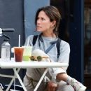 Rhona Mitra – Out in Notting Hill - 454 x 512