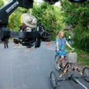 Julia Roberts on the set in Indonesia in Columbia Pictures' EAT, PRAY, LOVE.  Photo By: Francois Duhamel