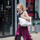 Dakota Fanning – Going to Dean and DeLuca in NYC