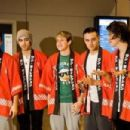 One Direction arrives in Japan - 454 x 302