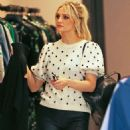Ashlee Simpson – Shopping in Beverly Hills