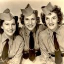 The Andrew Sisters,music,big Band, - 454 x 368