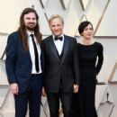 Henry Mortensen, Viggo Mortensen, and Ariadna Gil At The 91st Annual Academy Awards - Arrivals - 414 x 600