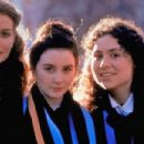 Minnie Driver, Geraldine O'Rawe and Safron Burrows in Circle of Friends (1996) - 454 x 302