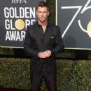 Chris Hemwsworth At The 75th Golden Globe Awards (2018) - 400 x 600